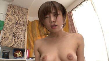 人気AVアイドルの紗倉まなちゃんが騎乗位SEXで気持ち良さそうな顔をしている画像