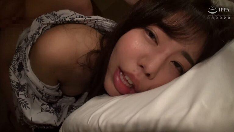 結愛さんが「人妻寝取られ温泉旅行【一】番外編 08」で後背位SEXしているエロ画像