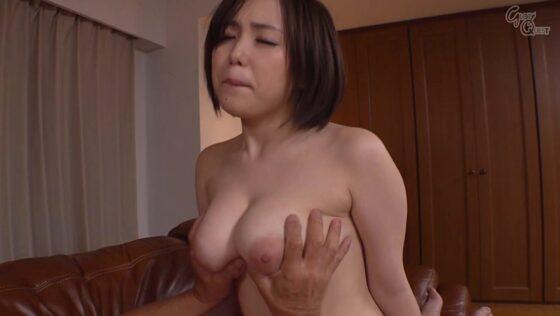人気AV女優・田中ねねちゃんが「禁断介護」で亀雄に巨乳を揉まれているエロ画像