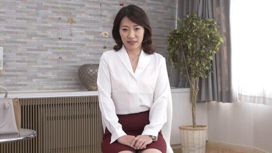 野武美穂が出演した「初撮り人妻ドキュメント」の冒頭シーン