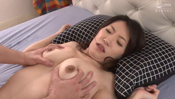 野武美穂が出演した「初撮り人妻ドキュメント」のラストシーン