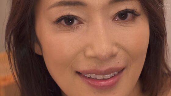小早川怜子が出演した「あん時のセフレは...友人の母親」のラストシーン