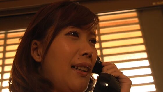 池谷佳純が出演した「真・異常性交 四十路母と子 其ノ拾四 息子に●われたGカップ欲求不満母 」の冒頭シーン
