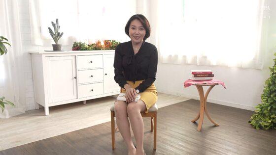 伊藤彩音が出演した「初撮り五十路妻ドキュメント 」の冒頭シーン