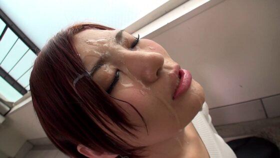 「【フェラすぺ】ちんシャブ大好き女 一撃顔射スペシャル みなみ」のラストシーン