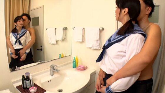 安野由美が出演した「美熟女と野汁」の冒頭シーン