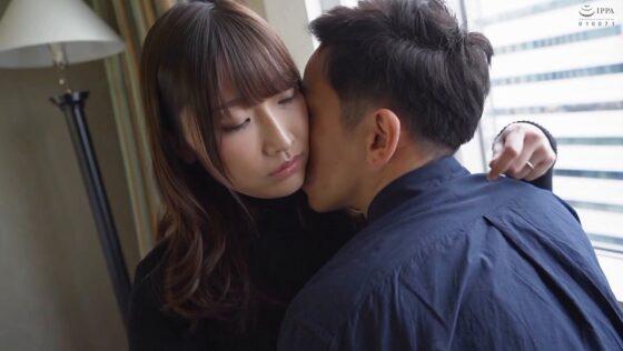 大野すみれと金子仁菜が出演した「舞ワイフ ~セレブ倶楽部~ 145」の冒頭シーン