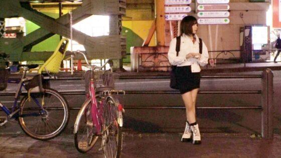 みおちゃんが出演した「【圧倒的美少女】24歳【天国にイキたい】」の冒頭シーン