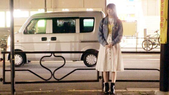 「【サラブレッド美少女】20歳【馬肉屋の看板娘】ひなこちゃん参上!」の冒頭シーン