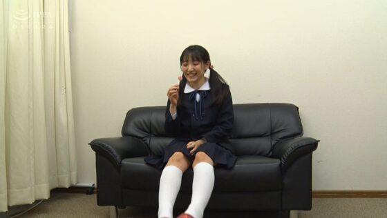 河奈亜依が出演した「美少女ワイセツ中出し淫行」の冒頭シーン