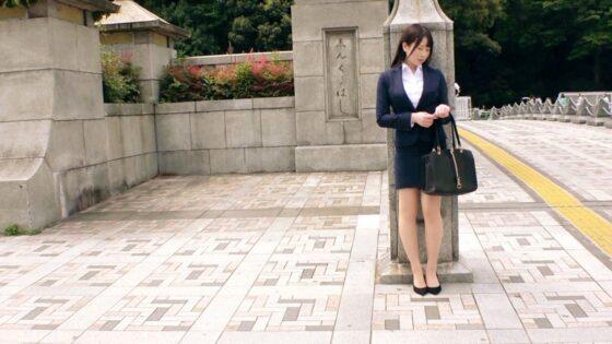 「【激カワ不動産OL】【がっつりスケベ美女】るあちゃん参上!」の冒頭シーン