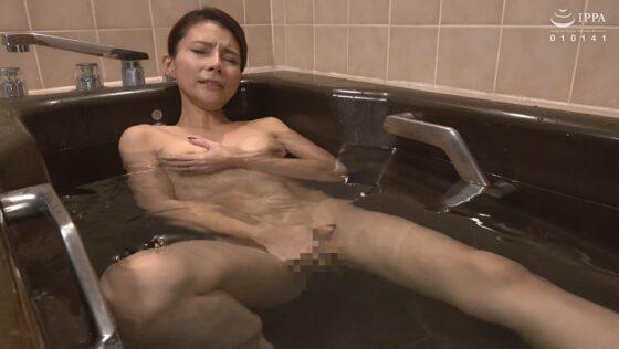 立川杏子が出演した「真・母子姦通 拠り所なき母と息子の禁断種付け性交」の冒頭シーン