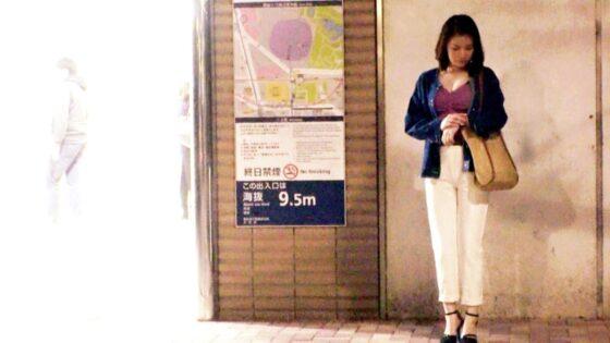ゆみなさんが出演した「【栄養(SEX)不足】30歳【巨乳で色白ボディ】」の冒頭シーン