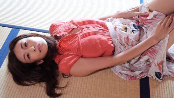 「fumie 52 中島史恵」の冒頭シーン