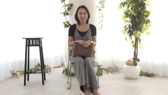 美川由加里が出演した「初撮り人妻ドキュメント」の冒頭シーン