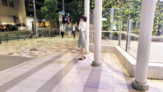 「【メガネ美女】【淫猥な女教師】りくちゃん参上!」の冒頭シーン