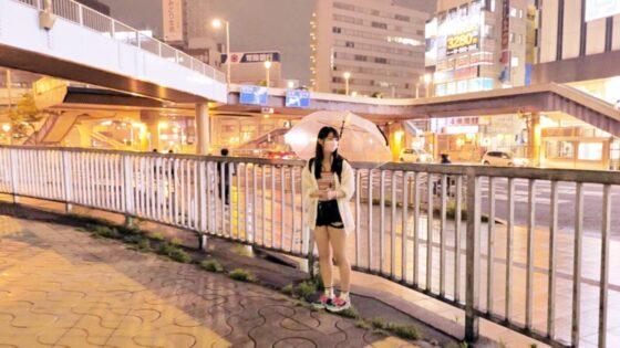 さらが出演した「【激カワ美少女】【JDチアガール】さらちゃん参上!」の冒頭シーン