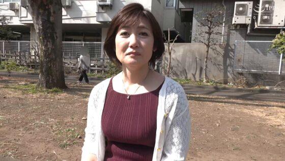 高松かおりが出演した「初撮り五十路妻、ふたたび。」の冒頭シーン