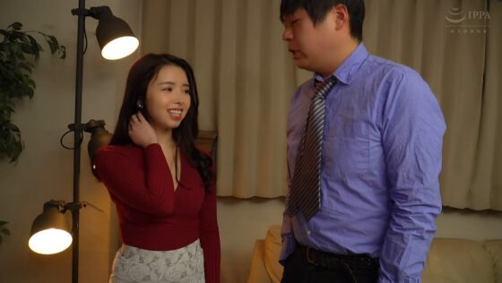 柊紗栄子が出演した「嫌味な夫の上司に寝取られて。完全に服●させられる妻の悲哀。」の冒頭シーン