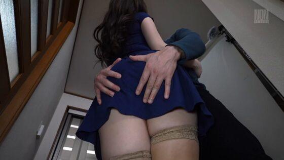 田中ねねが出演した「早熟な肉妻の匂い」の冒頭シーン