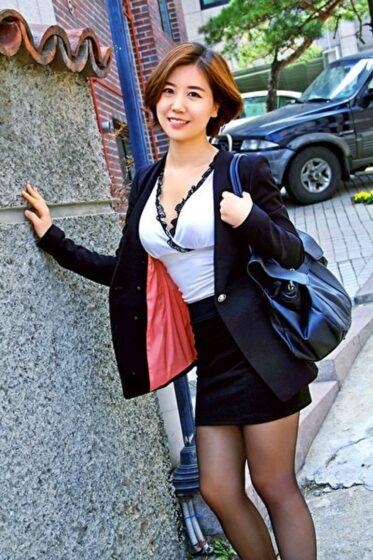 韓国人の若妻ソアさんが出演したAVのジャケット