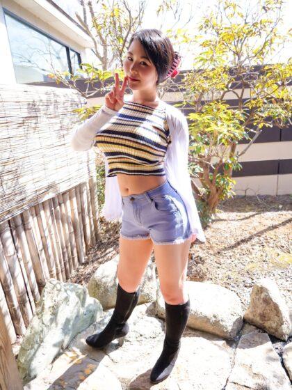 「中出し露天温泉 国宝級マシュマロおっぱいIカップむっつりスケベなエロエロお姉さん」の冒頭シーン