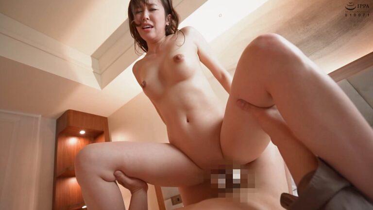 人妻・西野あいさんが「舞ワイフ 149」で騎乗位セックスしているエロ画像