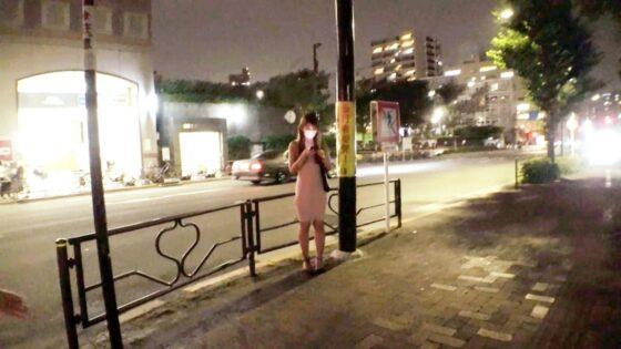 「【元お天気お姉さん】【セクシー美女】ななちゃん参上!」の冒頭シーン