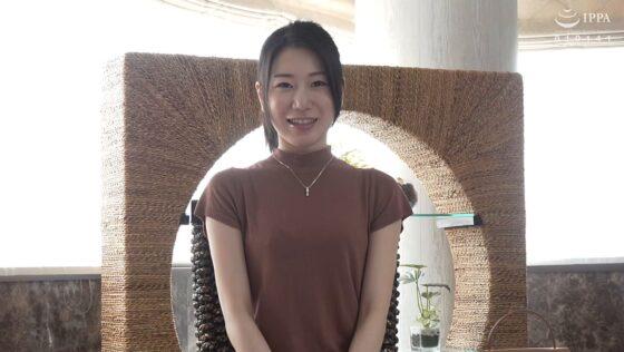 武井美久が出演した「初撮り人妻ドキュメント」の冒頭シーン