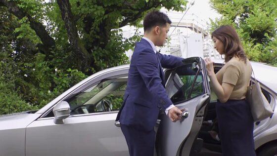 鈴木真夕が出演した「ネトラレーゼ 部下とまさか・・・」のラストシーン
