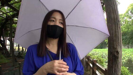 「日帰り温泉 熟女色情旅 #024 綾子(仮)45歳 離婚1回」の冒頭シーン