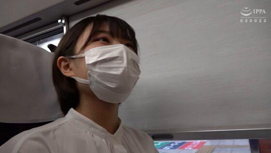 れなが出演した「人妻湯恋旅行145」の冒頭シーン