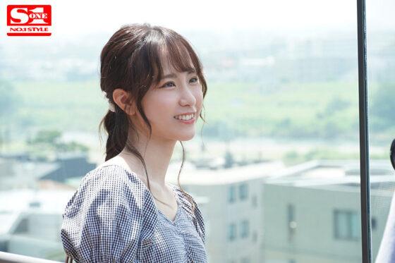 白坂みあんが出演した「新人NO.1STYLE AVデビュー」の冒頭シーン
