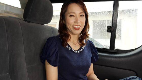 真崎理恵子が出演した「初撮り人妻、ふたたび。」の冒頭シーン
