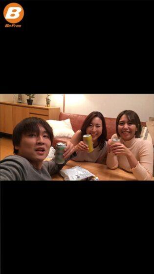 松下紗栄子が出演した「彼女が四日間家族旅行で不在の間、彼女のお姉さんと夢中で中出ししまくった」の冒頭シーン