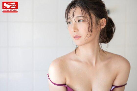 香澄りこが出演した「新人NO.1 STYLE 脱アイドル AVデビュー」のラストシーン